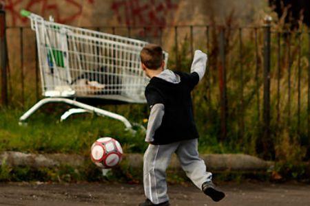 Photo of Charity warns of UK child poverty gap