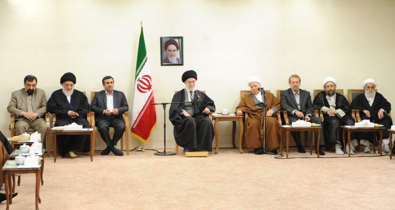 """Photo of """"Expediency Council in charge of key issues"""": The Leader of Islamic Ummah and Oppressed People Imam Seyyed Ali Khamenei"""