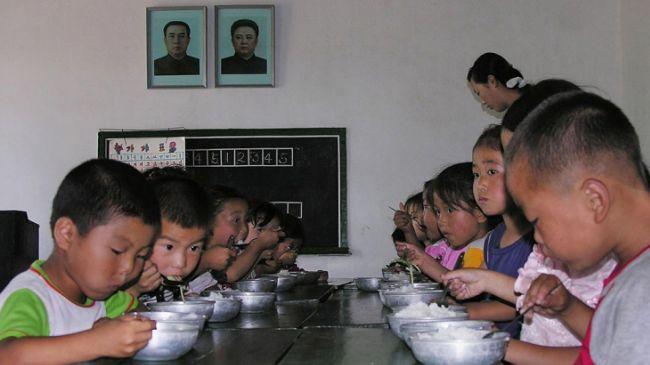 Photo of Iran sends 85-ton humanitarian aid convoy to North Korea