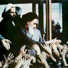 Photo of Imam Khomeini brings Quran to people's lives