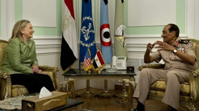 Photo of Egypt military takes tough line with MB after Clinton visit