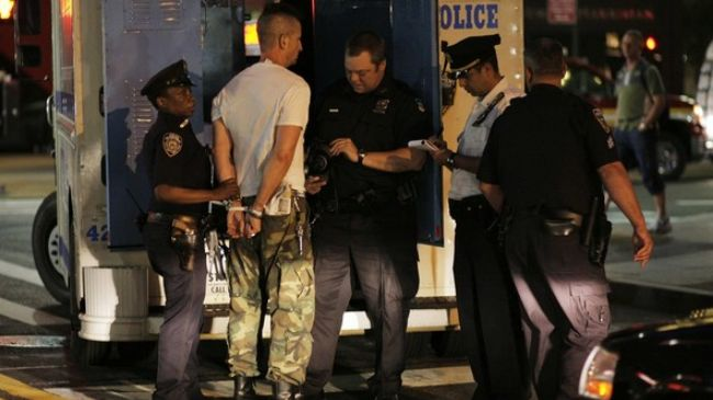Photo of Brutal New York police attacks 99-percenters near Zuccotti Park
