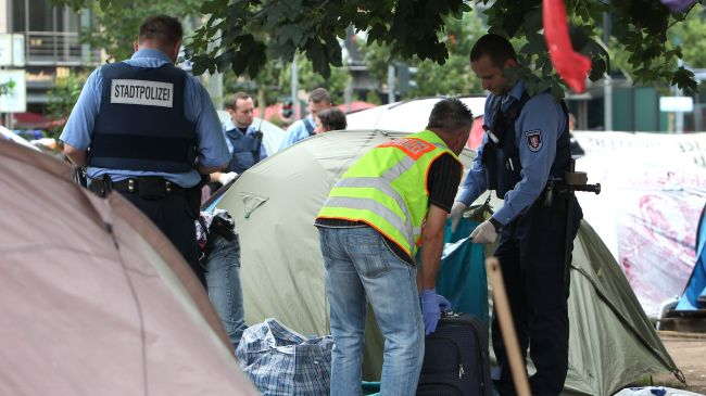 Photo of German police evict Occupy Frankfurt camp outside ECB