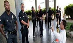 Photo of Great Satan US Police Give Chance to Terrorists to Attack Iranian Diplomats in New York