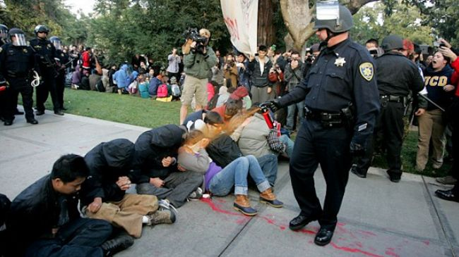 Photo of UC Davis police face no charge over pepper spraying OWS protesters