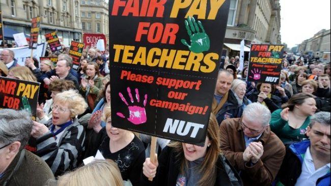 Photo of European Awakening: British teachers take industrial action