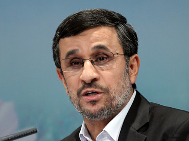 Photo of President Ahmadinejad: Anyone stockpiling nuclear weapons is mentally retarded