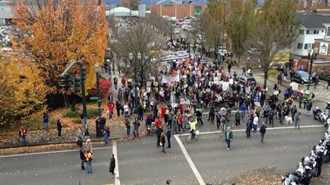 Photo of Police, anti-austerity protesters clash in Portland