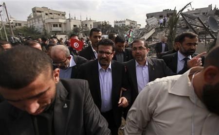 Photo of Tunisian minister in Gaza, tells Israel to halt 'aggression'