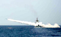 Photo of Navy to Test New Surface-to-Air Missile in Naval Drills