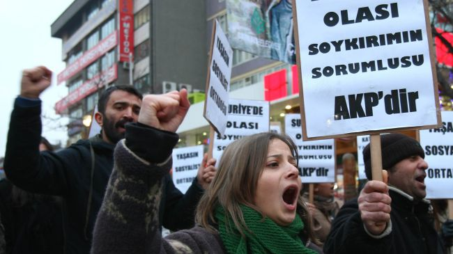 Photo of Turks protest Erdogan's policy on Syria