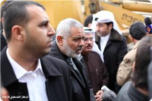 Photo of Haniyeh and al-Emadi announce starting Qatari reconstruction projects