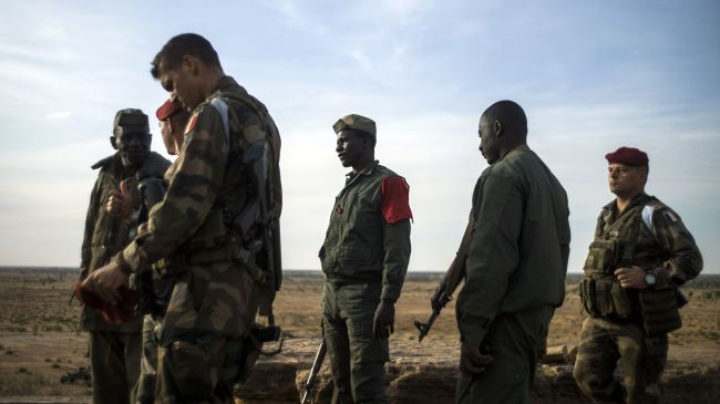 Photo of Malian troops accused of 'summary executions'