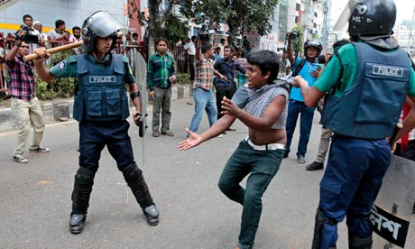Photo of Bangladesh Police Kills Four in Protest over Bloggers