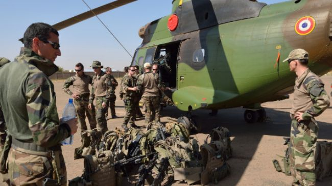 Canada extends airlift support for French troops in Mali war