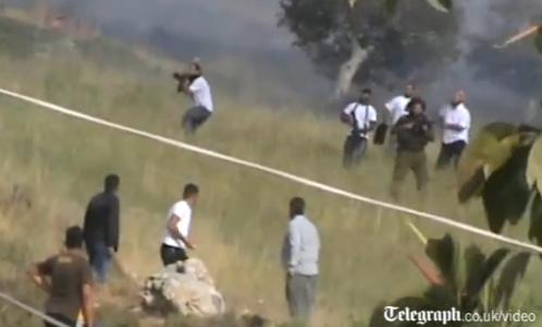 Photo of Settlers Attack Palestinian in Nablus Village, Torch 7 Cars