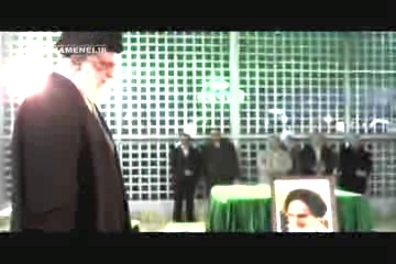 Photo of Video- Imam Khamenei visits Imam Khomeini's Shrine