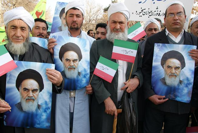 Photo of Iranian Sunni scholar praises participation in 10 Feb rally