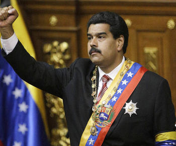 Photo of Venezuelans support Maduro as Chavez's successor