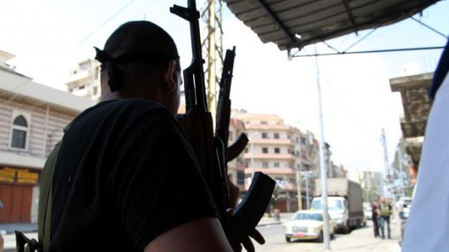 Armed groups in Lebanon shell Syrian Army positions