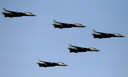 Photo of Iranian Air Force Displays Latest Capabilities in Army Day Parades