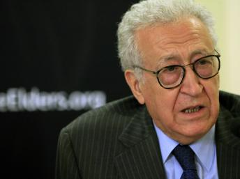 Photo of Brahimi Suggests UN Arms Embargo on Syria Conflict
