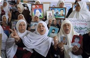 Photo of Occupation refuses to release Palestinian prisoner's mother