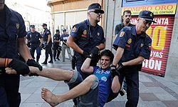 Photo of Spanish Police Launch Arrests Ahead of Planned Demonstration