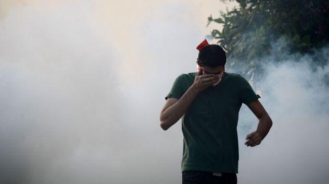 Photo of Zionist Servant Bahraini regime forces attack funeral procession