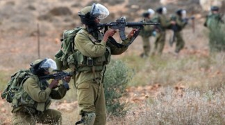 Israeli soldiers shoot Palestinian boy in chest
