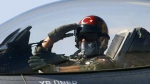 Turkish pilot dies in plane crash