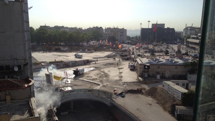 Turkish police use water cannons, tear gas to oust protesters from Taksim Square