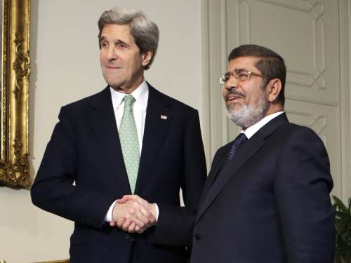 Photo of Western-backed Morsi cutting diplomatic relations with Syria