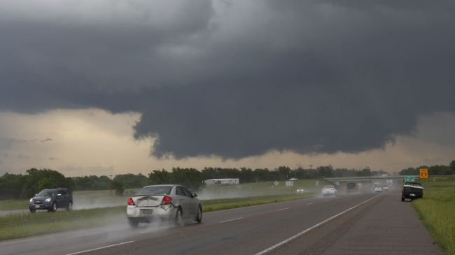 Photo of Deadly tornadoes wreak havoc on central US
