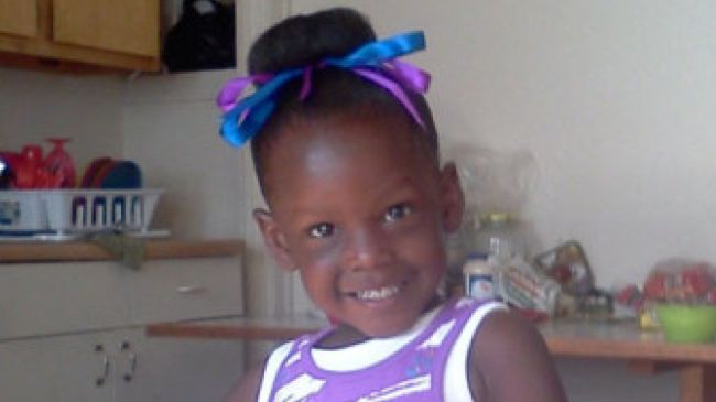 Photo of A 4-year-old Chicago girl was shot in the stomach while playing outside Monday night, just days after family said they had celebrated her birthday