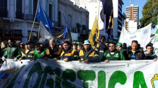 Argentina truckers stage 24-hr strike