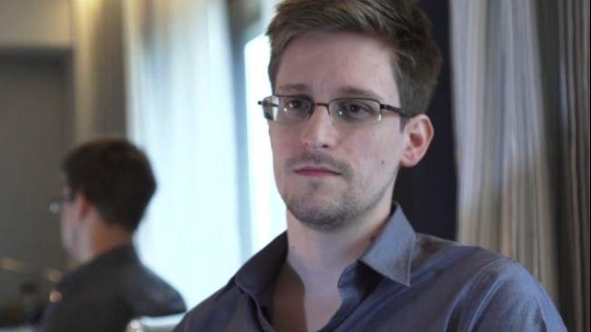 Snowden plans to demand asylum in Russia
