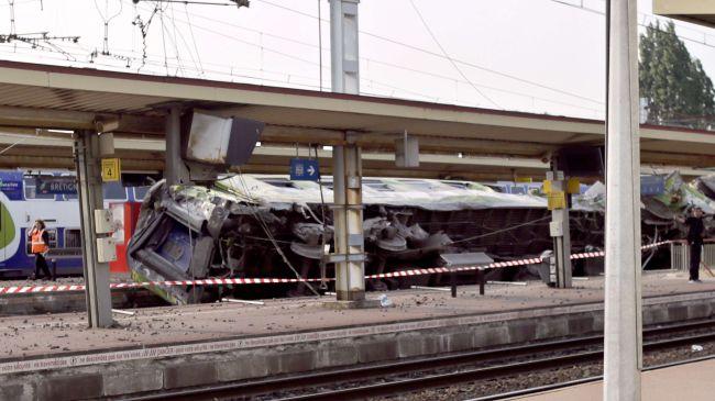 Train crash near Paris kills at least seven people