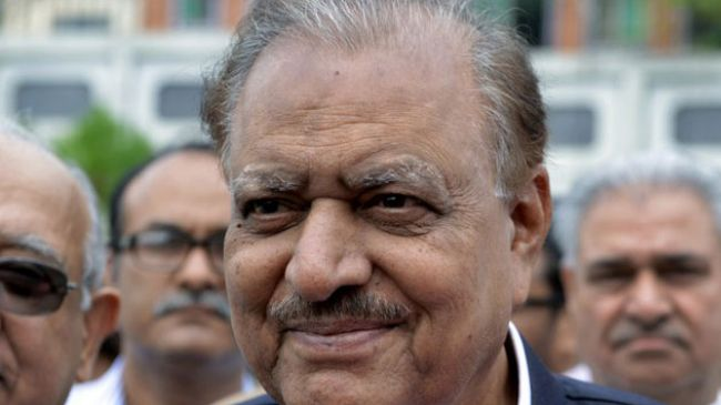 Photo of Pakistan lawmakers elects Mamnoon Hussain as new president