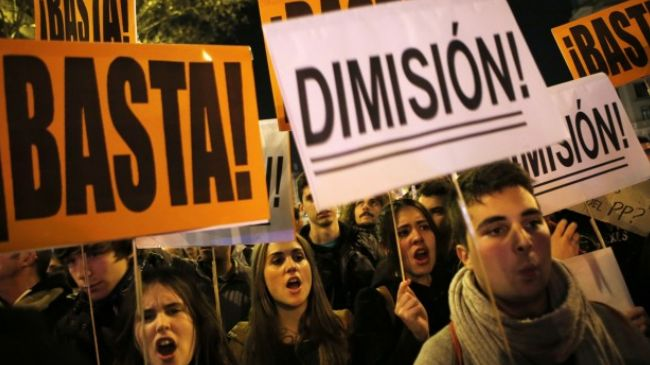 Photo of Spaniards protest fraud by ruling party