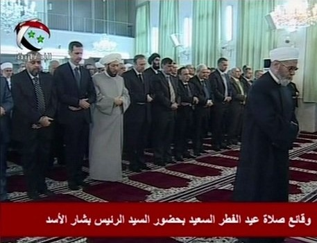 Photo of President Assad Refutes Rumors once more, Performs Eid Prayers in Damascus