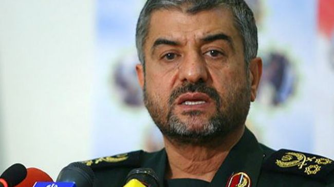 Photo of IRGC closely watching enemy actions: Iran Cmdr.