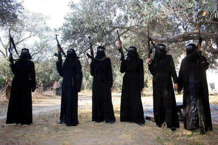 Photo of Tunisian girls return home pregnant after 'Jihad al-Nikah' with human-faced brutals in Syria