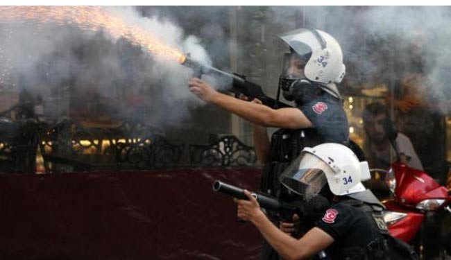 Photo of Protester death sparks clashes in Turkey