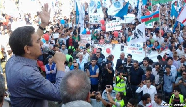 Photo of Azeri protesters want President Aliyev to step down