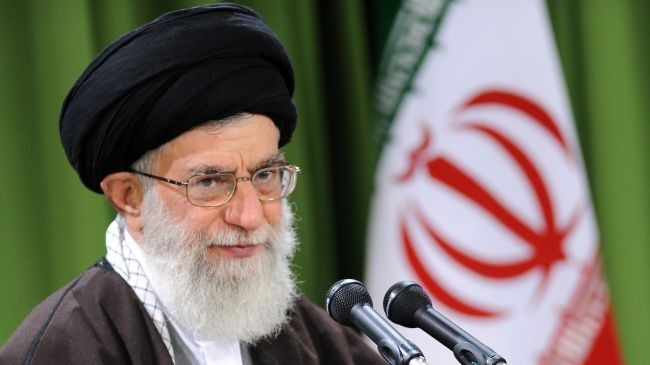 Photo of Imam Ali Khamenei: Resistance Only Way out of Enemies Calamities
