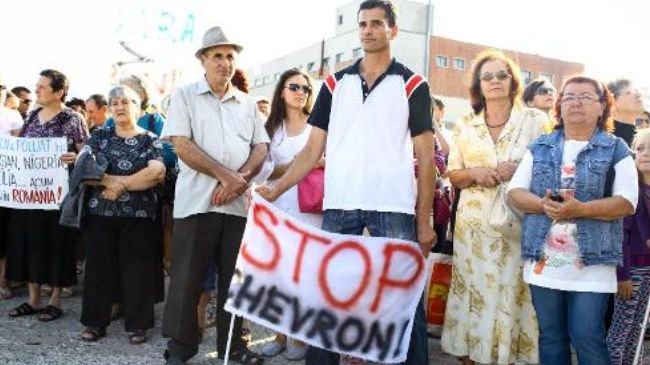 329769_Romania-fracking-protest