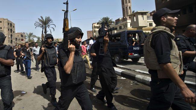 330200_Egypt-policemen
