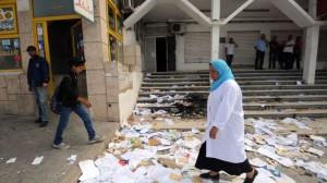 331068_Tunisia-Ennahda-burn