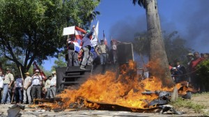 331901_Paraguay-protest